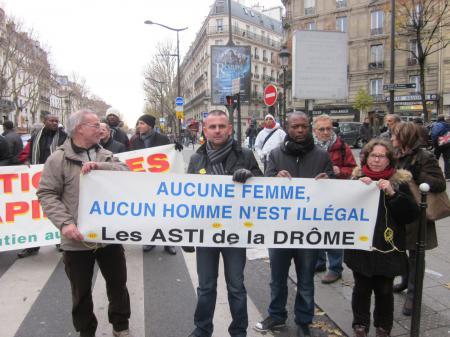 l'ASTIV à la manif à Paris le  7/12/20013